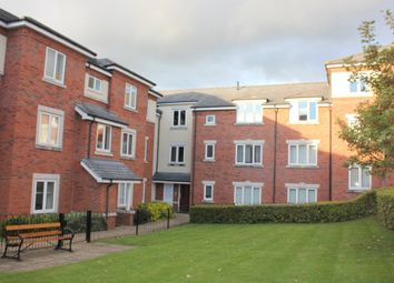 Thumbnail 2 bed flat to rent in Stratford Gardens, Bromsgrove