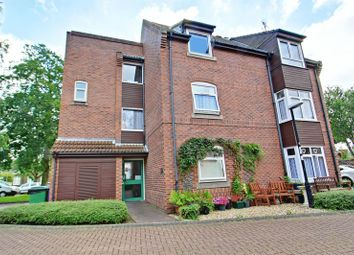 Thumbnail 2 bed flat for sale in Fletcher Close, Hessle