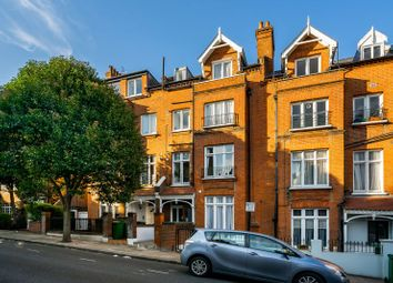 Denning Road, Hampstead, London NW3. 2 bed flat