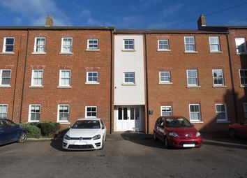 Thumbnail 2 bed flat to rent in Pine Street, Fairford Leys, Aylesbury