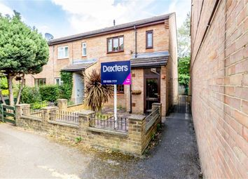 2 bed property for sale in Sparks Close, Hampton TW12