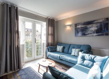 Thumbnail 2 bedroom flat to rent in Collard Place, London
