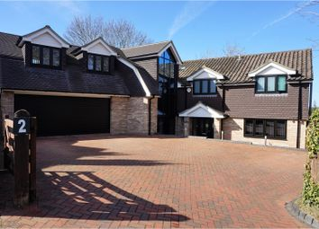 Thumbnail 5 bed detached house for sale in Quennells Hill, Farnham