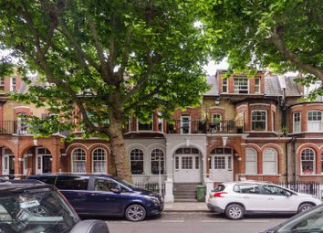 Thumbnail 2 bed flat to rent in Crookham Road, Parsons Green