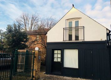 Thumbnail Property for sale in Hawkes Yard, Thames Ditton