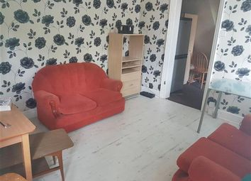 Thumbnail 2 bed flat to rent in Ashburnham Road, Luton