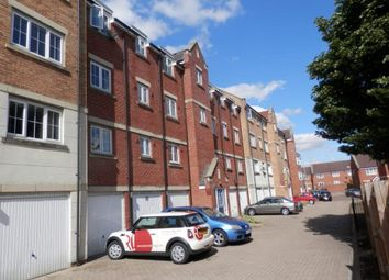Thumbnail 2 bed flat to rent in Luton Road, Dunstable