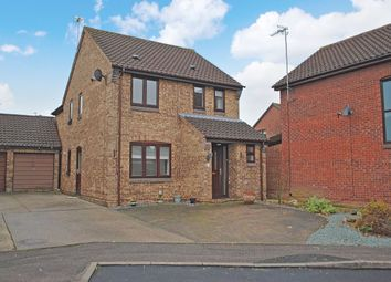 Thumbnail 4 bed detached house for sale in Winchester Close, Bishop's Stortford