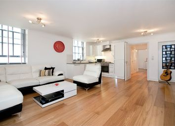 Thumbnail 1 bed flat to rent in College Hill, City Of London