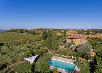 Thumbnail 4 bed country house for sale in Tcr-069 Renello, Pienza, Siena, Tuscany, Italy