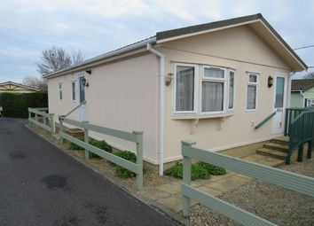 Thumbnail 2 bed mobile/park home for sale in Shannon Road, Didcot