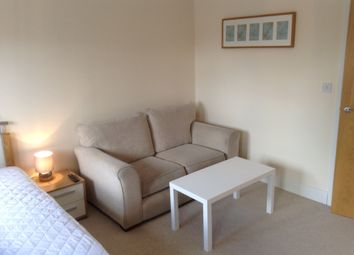 Thumbnail Room to rent in Allington Close, Farnham