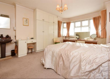 Thumbnail Room to rent in Ravenscroft Avenue, Wembley