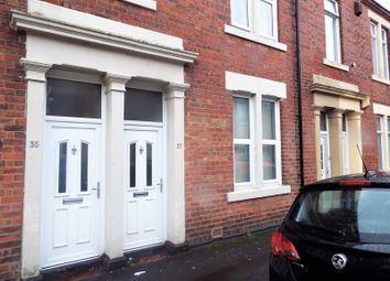 2 bed flat to rent in Hopper Street West, North Shields NE29