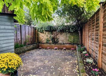 4 bed property to rent in Trott Street, London SW11