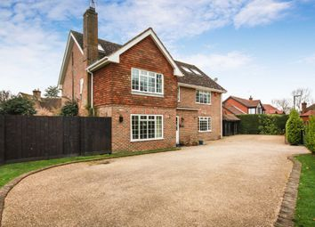 Thumbnail 6 bed detached house to rent in Winterpit Close, Mannings Heath, Horsham