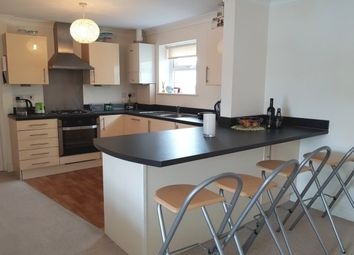 Thumbnail 2 bed flat to rent in Bay Tree Hill, Liskeard