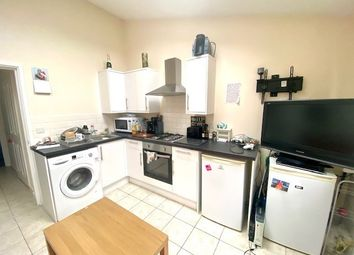 Thumbnail 1 bed flat to rent in Bellemoor Road, Southampton