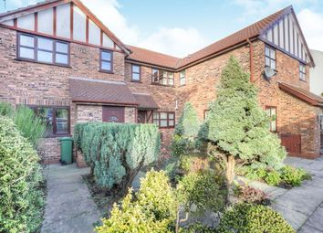 Thumbnail 2 bed property to rent in Queens Close, Hyde