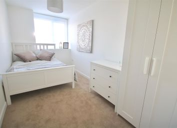 Thumbnail 2 bedroom flat to rent in Isambard Brunel Road, Portsmouth
