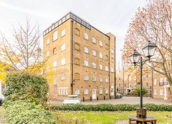 Thumbnail 1 bed flat for sale in Regents Bridge Gardens, Vauxhall