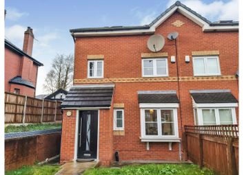 4 bed town house for sale in Broadway, Chadderton, Oldham OL9