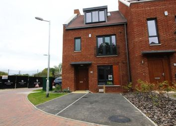 Thumbnail 4 bed property to rent in Green Close, Brookmans Park, Hertfordshire