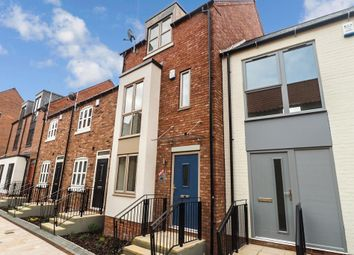 Thumbnail 3 bed town house for sale in Horners Square, Fruit Market, Hull