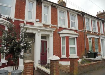 Thumbnail 1 bed flat to rent in Sussex Avenue, Ashford, Kent