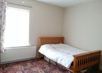 Thumbnail 1 bedroom terraced house to rent in Dane Road, Luton
