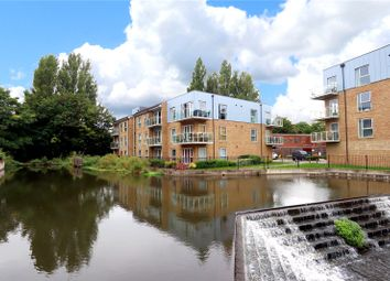 Thumbnail 2 bedroom flat for sale in Croxley Road, Nash Mills, Hemel Hempstead