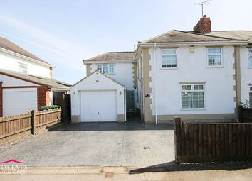 Thumbnail 4 bed town house for sale in Beechcroft Avenue, Leicester