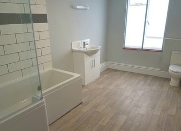2 bed maisonette to rent in High Street, Honiton EX14
