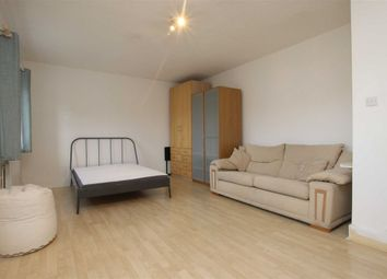 Thumbnail 3 bed flat to rent in Rotherfield Street, London
