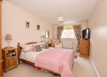 4 bed detached house for sale in Weavers Close, Staplehurst, Kent TN12
