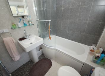 3 bed property for sale in Hallington Mews, Killingworth, Newcastle Upon Tyne NE12