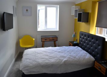 Thumbnail Room to rent in Norman Road, Gorse Hill, Swindon