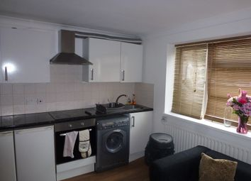 Thumbnail 3 bed flat to rent in Etchingham Park Road, Finchley Central, London