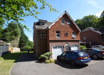 Courts Hill Road, Haslemere GU27. 2 bed flat