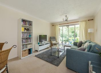 Thumbnail 2 bed flat to rent in Salters Close, Rickmansworth, Hertfordshire