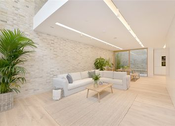Thumbnail 4 bed mews house to rent in Bingham Place, London