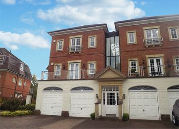 Thumbnail 2 bed flat for sale in Copperfields, Tunbridge Wells, Kent