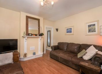 Thumbnail 2 bedroom flat for sale in Crescent Road, New Barnet EN4,