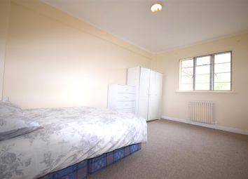 Thumbnail Studio to rent in Adelaide Road, Swiss Cottage, London