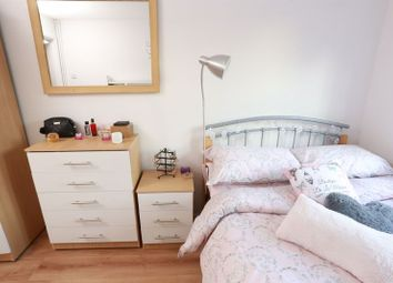 Room to rent in Paul Street, London E15