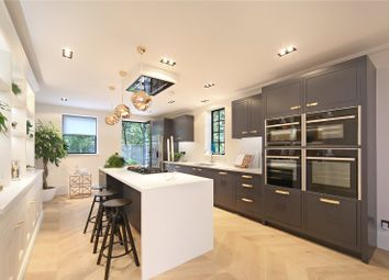 Thumbnail 4 bedroom property for sale in Ropemakers Fields, London