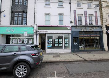 High Road, Woodford Green, Essex. IG8. Retail premises to let