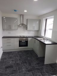 Thumbnail 2 bed flat to rent in Allerton Road Flat 1, Bradford 8