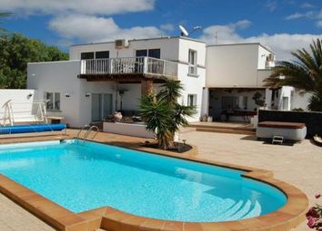 Thumbnail Villa for sale in Country, Macher, Lanzarote, 35510, Spain