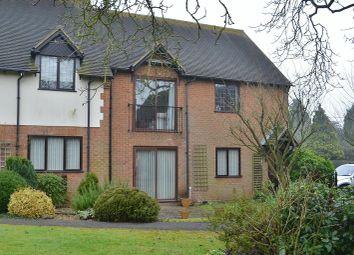 Thumbnail 2 bedroom flat to rent in Walnut Close, Long Crendon, Aylesbury